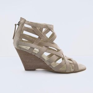 "GUESS Suede 3"" Wedges Sandals Strap Heels Beige 6M"